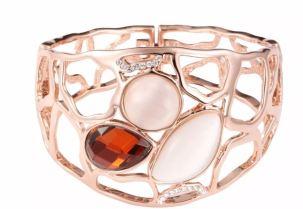 Brazalete con cristal y baño de Oro rosado de Riana Collection